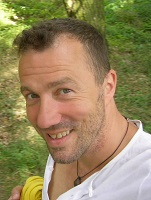 Referee Lars Ruge